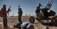 Бойцы оппозиции Ливии. Архивное фото