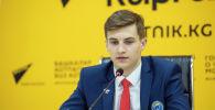 Кыргызстандын хоккей боюнча курама командасынын капитаны Владимир Тонких