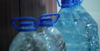 Бутылки с водой. Архивное фото