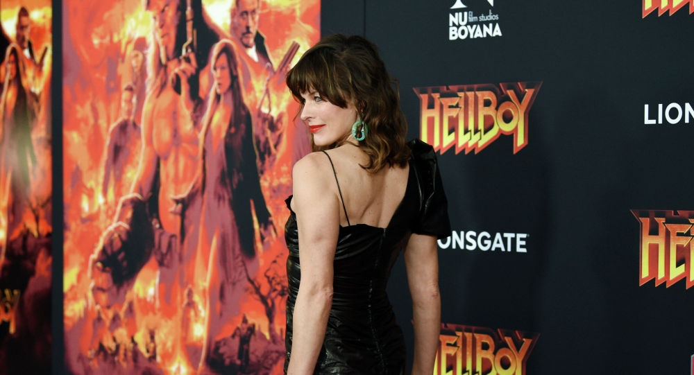 Актриса Милла Йовович на показе фильма Хеллбой на AMC Lincoln Square в Нью-Йорке. 9 апреля 2019 года
