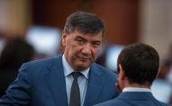 Депутат ЖК 6 созыва Искендер Матраимов от фракции СДПК во время перерыва. Архивное фото