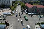 Автомобили на пересечении улицы Байтик-Баатыра и проспекта Чуй в Бишкеке. Архивное фото
