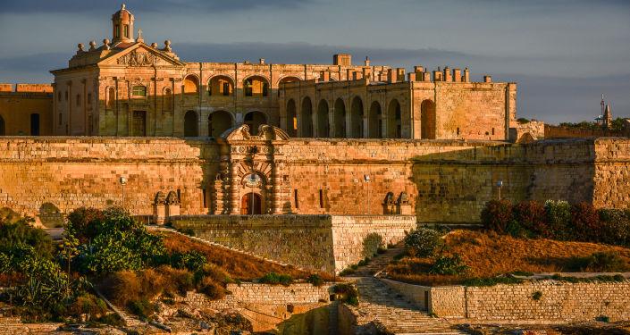 Средневековая крепость мальтийских рыцарей Форт Маноэль.