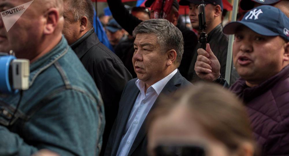 Депутат Алмамбет Шыкмаматов. Архивное фото