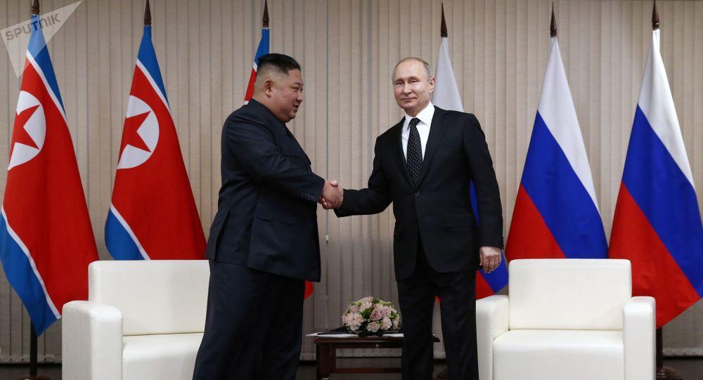 Россия лидери Владимир Путин Түндүк Кореянын башчысы Ким Чен Ын менен жолугушуусу