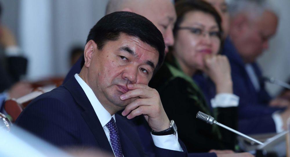 Архивное фото премьер-министра КР Мухаммедкалыя Абылгазиева