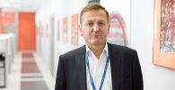 Военный обозреватель Sputnik Александр Хроленко во время беседы