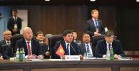 Премьер-министр Кыргызской Республики Мухаммедкалый Абылгазиев на заседании Евразийского межправительственного совета Евразийского экономического союза в городе Ереван Республики Армения.