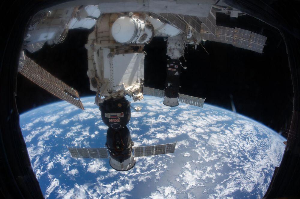 Корабль Союз. На фото он пристыкован к МКС.
