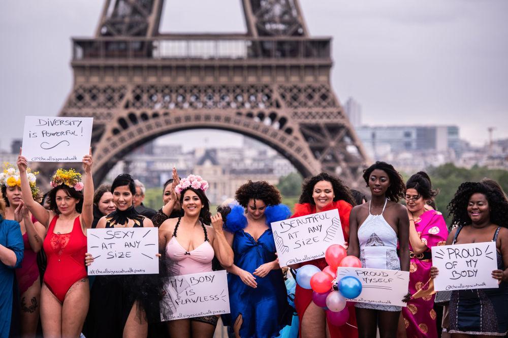 Действие привлекло много внимания как со стороны горожан, так и гостей Парижа