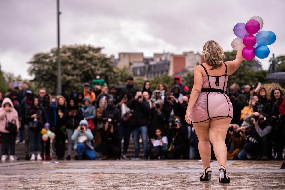 Организаторы надеются, что показ окажет влияние не только на женщин, но и на мужчин