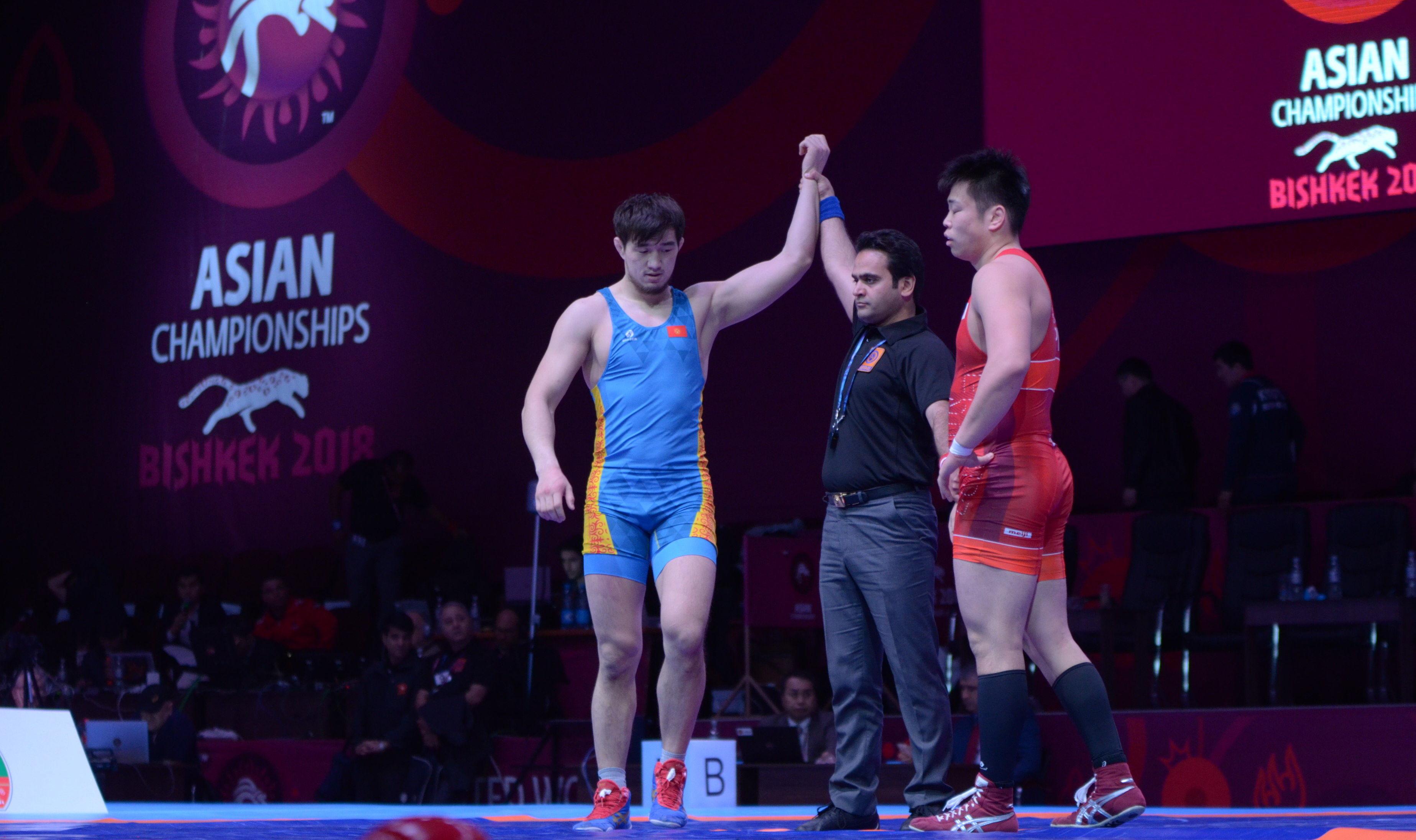 Борец греко-римского стиля Узур Жусупбеков (97) выиграл японца Юту Нару