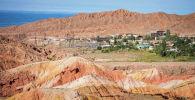 Вид на село Каджи-Сай Тонского района Иссык-Кульской области