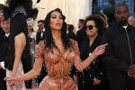 Звезда реалити-шоу Ким Кардашян с мужем Канье Уэстом на Met Gala 2019 в Нью-Йорке