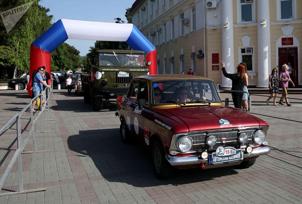 Гонка проводилась при поддержке правительства Севастополя, Совета министров Республики Крым и администрации Геленджика