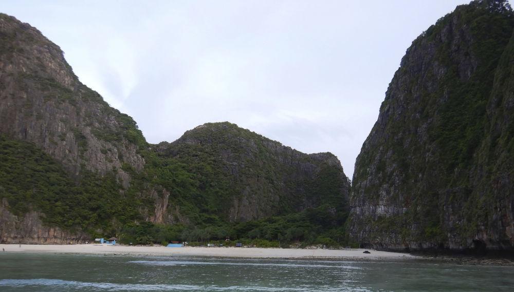 Учурда Maya bay пляжы туристтер үчүн жабык