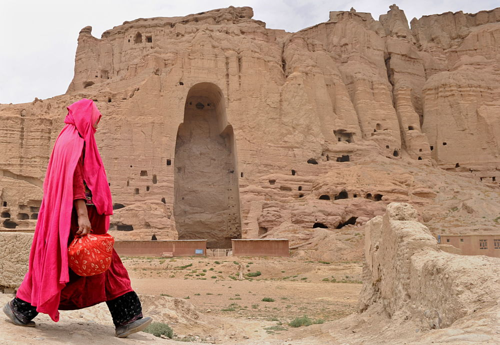 2001-жылы талибдер аны теңирчиликтин символу катары талкалап салышкан.