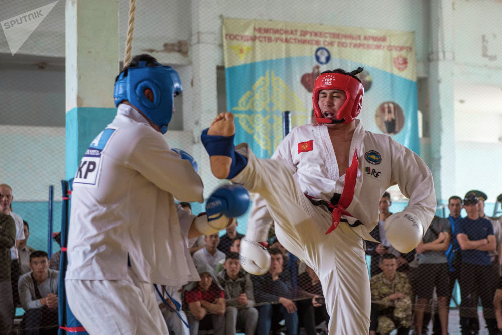 Спортивное мероприятие было посвящено 20-летию образования Государственной пограничной службы Кыргызской Республики