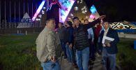 Бишкек мэри Азиз Суракматов борбор калааны эки ирет, эртең менен жана түн ичинде кыдырып, жазгы жумуштардын аякташы менен таанышты