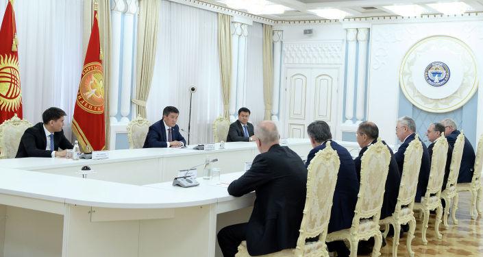 Президент КР Сооронбай Жээнбеков на встрече с участниками очередного заседания Совета министров иностранных дел ОДКБ