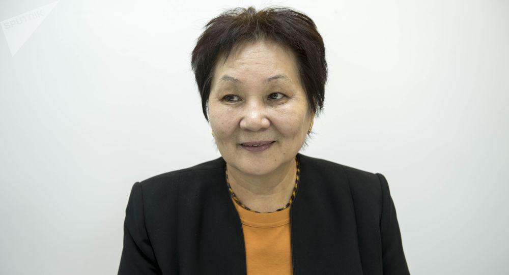 Мурдагы саламаттык сактоо министри Динара Сагинбаева. Архивдик сүрөт
