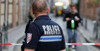 Полицейский на месте происшествия. Архивное фото