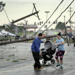 Последствия разрушительного торнадо в штате Миссури, США. Жертвами стихии стали как минимум семь человек.