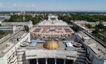 Вид на центральный площадь Ала-Тоо Бишкека с высоты. Архивное фото