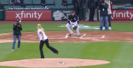 Курьезный момент произошел в Чикаго перед началом матча MLB (главная бейсбольная лига США) между командами Чикаго Уайт Сокс и Канзас Сити Роялз.