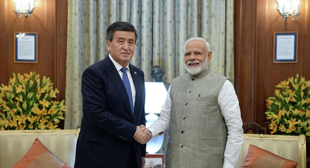 Президент Сооронбай Жээнбеков Нью-Дели шаарында Индиянын премьер-министри Нарендра Моди менен жолугушту.