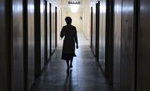 Врач в коридоре больнице. Архивное фото
