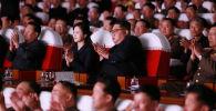 Лидер Северной Кореи Ким Чен Ын на концерте подразделений корейской народной армии. 2 июня 2019 года