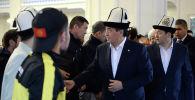 Президент Сооронбай Жээнбеков Орозо айт учурнда борбордук мечитте. Архив