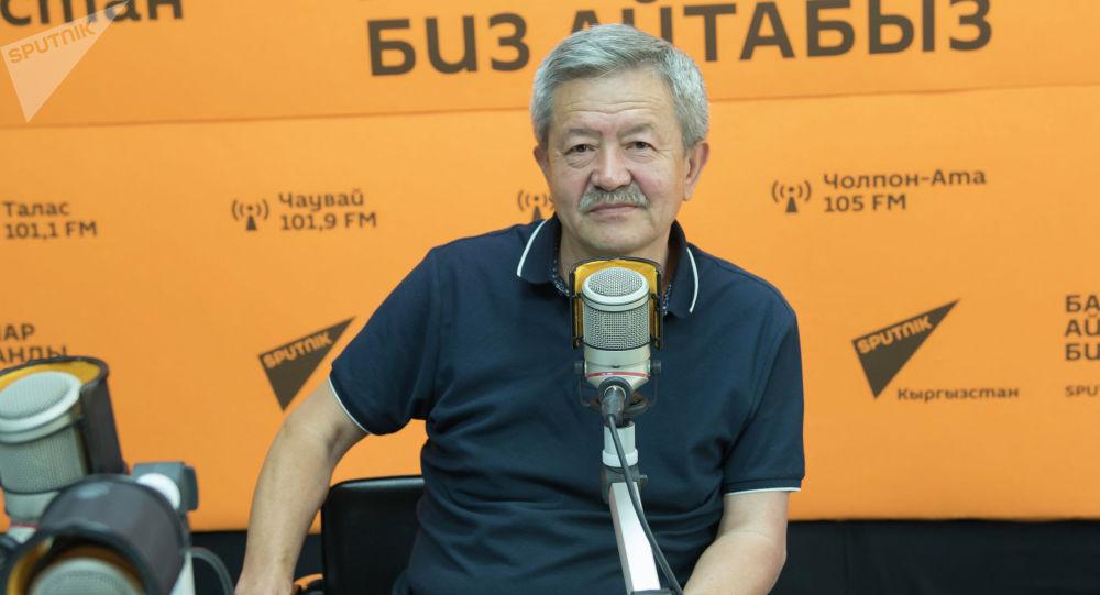 Саламаттык сактоо министрликтин алдында түзүлгөн штаб жетекчисинин орун басары Касымбек Мамбетов