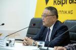 Экс-генеральный секретарь ШОС Муратбек Иманалиев во время видеомоста в мультимедийном пресс-центре Sputnik Кыргызстан
