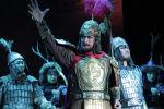 Постановка оперы по эпосу Манас на китайском языке в кинотеатре Манас в Бишкеке