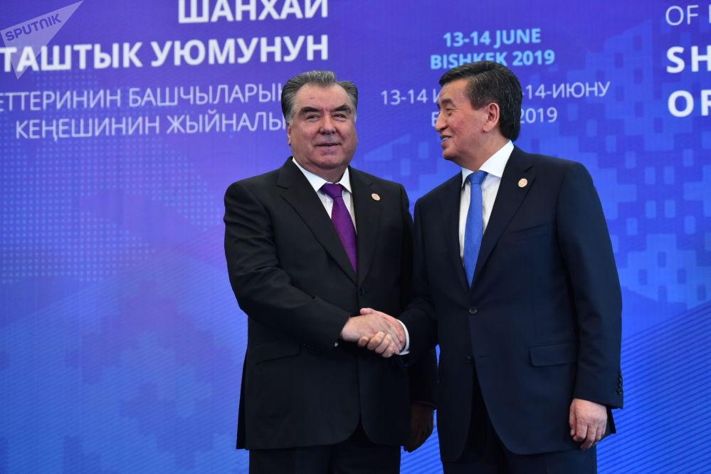Сооронбай Жээнбеков и президент Таджикистана Эмомали Рахмон