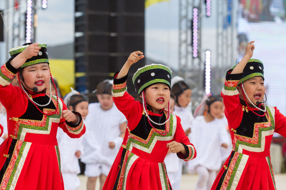 В рамках фестиваля провели различные соревнования, в том числе по борьбе и стрельбе из лука