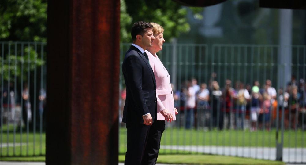 Украина президенти Владимир Зеленский Германия канцлери Ангела Меркель менен жолугушуу учурунда