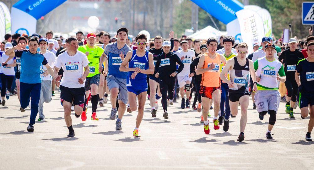 Участники забега в Бишкеке