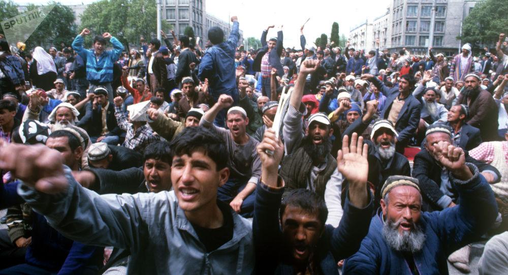 Вооружённый этно-региональный конфликт за власть в Таджикистане. Архивное фото