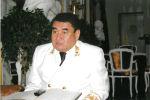 Белгилүү дипломат Эрик Асаналиев. Архивдик сүрөт