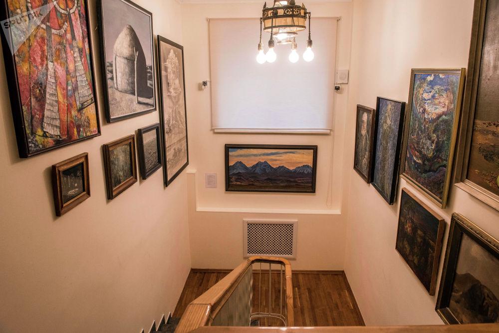 Эки кабат музей 7-8 бөлмөдөн турат.