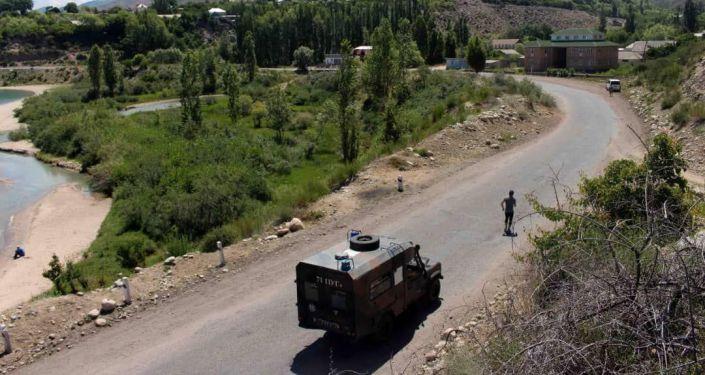 Старший сержант Национальной гвардии КР Кайратбек Рапиев пробежал 374 километра вокруг озера Иссык-Куль