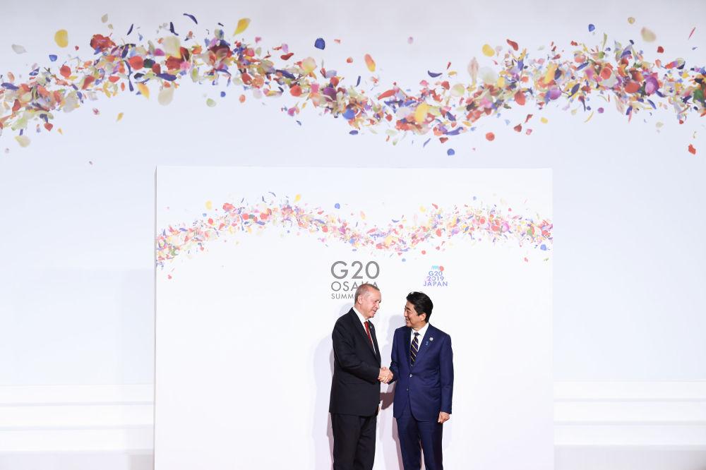 Встреча Реджепа Тайипа Эрдогана с премьер-министром Японии Синдзо Абэ