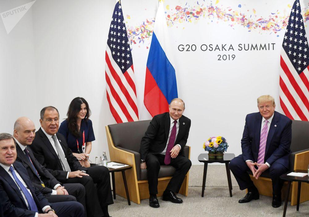 Президенты России и США провели полуторачасовую встречу на полях саммита