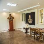 Чыңгыз Айтматовдун үй-музейи шаардын четирээк жагындагы Ала-Арча резиденциясында жайгашкан. Биринчи кабатындагы бул далис азыр меймандарды кабыл ала турчу жайга айланган.