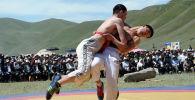 Кыргыз күрөшү.  Архивдик сүрөт