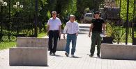 Фарид Ниязов, Алмазбек Атамбаев жана Канат Сагымбаев. Архивдик сүрөт