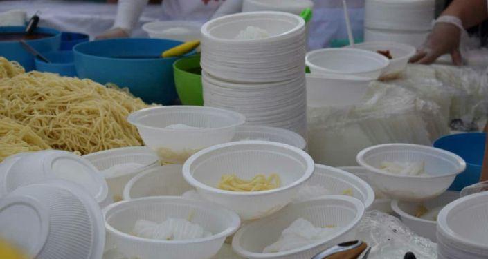 В Караколе приготовили 1,5 тонны ашлямфу и угостили гостей в рамках Ашлямфу-fest